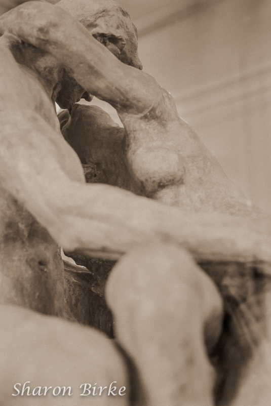 4L0C1058NYC-New-Jersey-Boudoir-Portraits-Rodin-Kiss-Sculpture