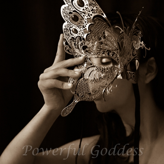 _S5A8543NYC-NJ-Butterfly-Mask-Glamour-Boudoir-Portraits-Powerful-Goddess
