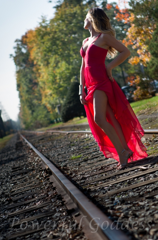 _S5A7581NYC-NJ-Train-Glamour-Portraits-Powerful-Goddess