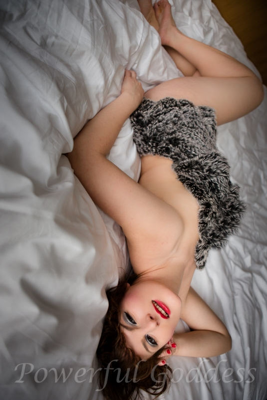 _S5A3122NYC-NJ-Valentine-Fur-Glamour-Boudoir-Powerful-Goddess-Portraits-Sharon-Birke