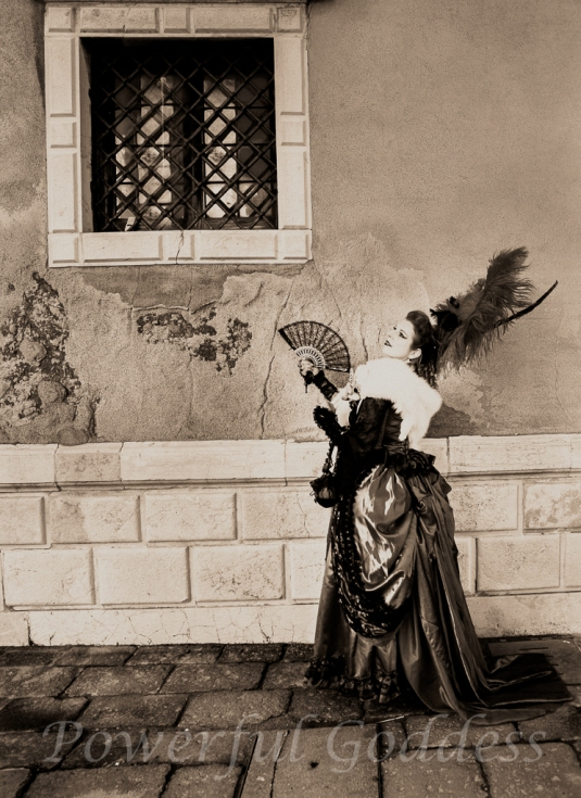 _S5A0595NYC-NJ-Glamour-Portraits-Period Costume-Venice-Carnival-Sharon-Birke