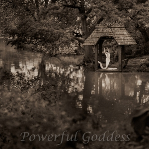 _S5A7921NYC-Central-Park-Lake-Glamour-Powerful-Goddess-Portraits-Sharon-Birke-2