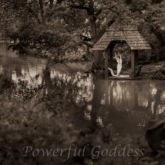 _S5A7921NYC-Central-Park-Lake-Glamour-Powerful-Goddess-Portraits-Sharon-Birke-2