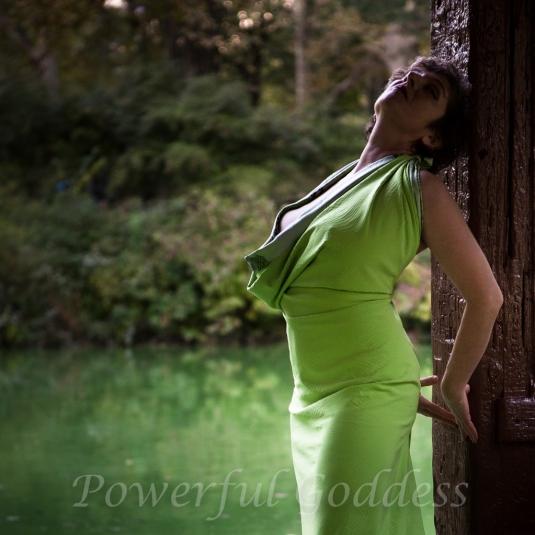 _S5A7922-EditNYC-Central=Park-Lake-Glamour-Powerful-Goddess-Portraits-Sharon-Birke