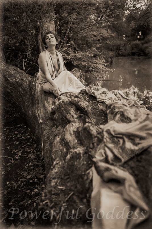 _S5A7987NYC-Central-Park-Lake-Glamour-Powerful-Goddess-Portraits-Sharon-Birke
