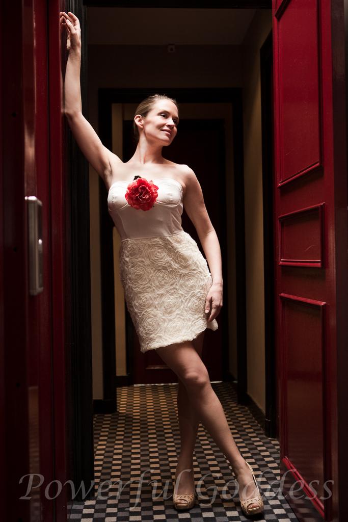 _S5A2343-EditNYC-NJ-Glamour-Grace-Kelly-look-Powerful-Goddess-Portraits-Sharon-Birke