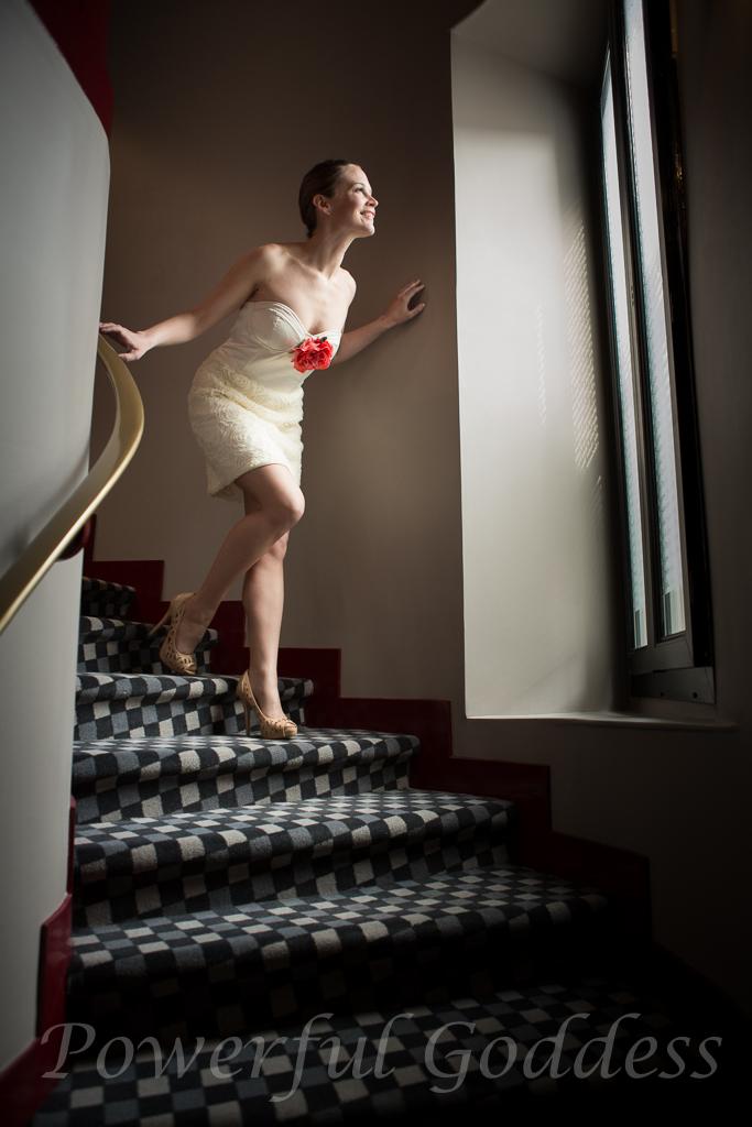 _S5A2369NYC-NJ-Glamour-Grace-Kelly-look-Powerful-Goddess-Portraits-Sharon-Birke
