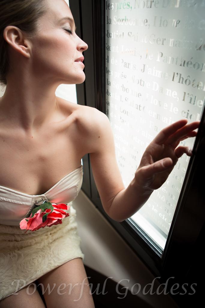 _S5A2386NYC-NJ-Glamour-Grace-Kelly-look-Powerful-Goddess-Portraits-Sharon-Birke