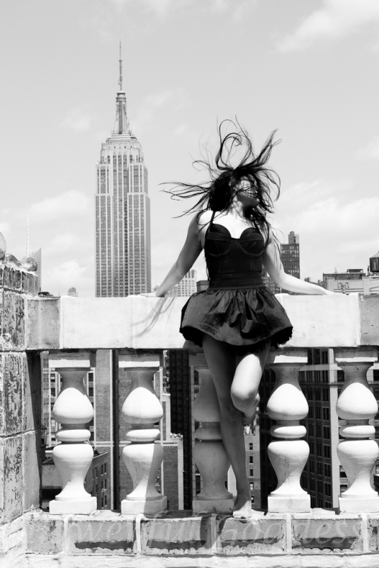 _S5A4255NYC-NJ-Empire-State-Powerful-Goddess-Portraits-Sharon-Birke