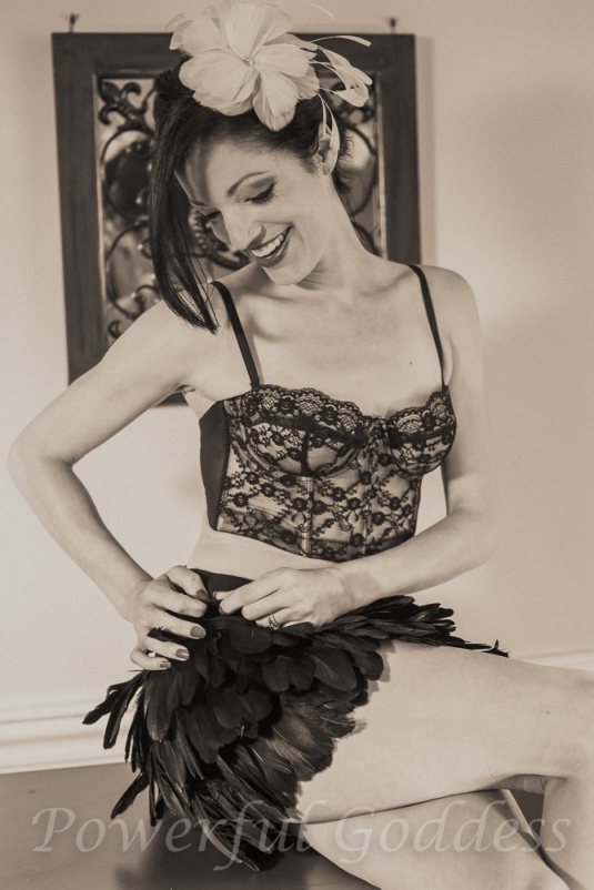 _S5A6075New-York-New-Jersey-feather-Glamour-Boudoir-Sharon-Birke-Portraits