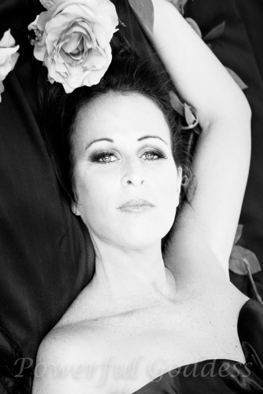 _S5A7982New-York-New-Jersey-roses-Glamour-Boudoir-Sharon-Birke-Portraits