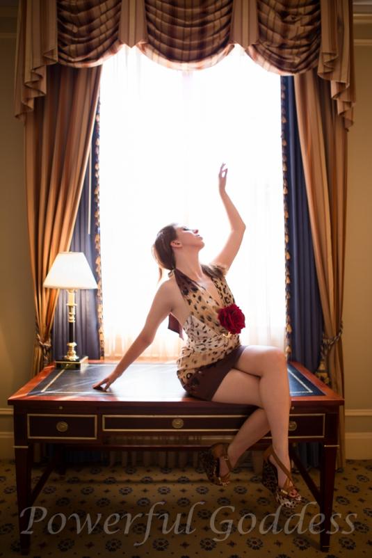 _S5A4125-New-York-New-Jersey-Leopard-Print-Glamour-Boudoir-Powerful-Goddess-Portraits-Sharon-Birke