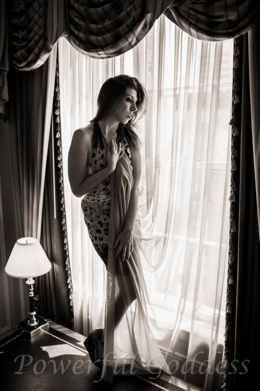 _S5A4183-New-York-New-Jersey-Leopard-Print-Glamour-Boudoir-Powerful-Goddess-Portraits-Sharon-Birke
