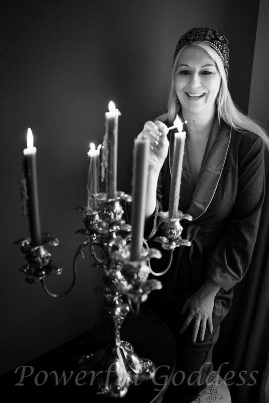 _S5A7058-New-York-New-Jersey-Turquoise-Robe-Glamour-Boudoir-Powerful-Goddess-Portraits-Sharon-Birke