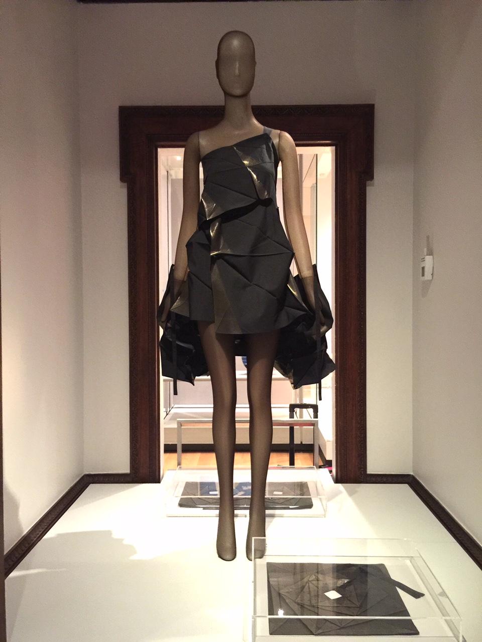 NYC-Cooper-Hewitt-museum-folded-square-dress-Sharon-Birke