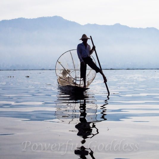 P1201708-Myanmar-Burma-Inle-Lake-Fisherman-Powerful-Goddess-Portraits-Sharon-Birke