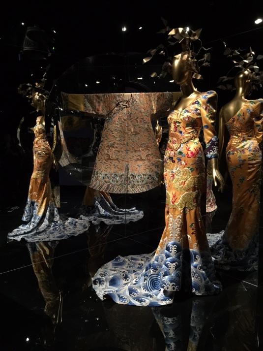 Dragon-Robe-China-fashion-Metropolitan-Museum-NYC-Powerful-Goddess-Portraits