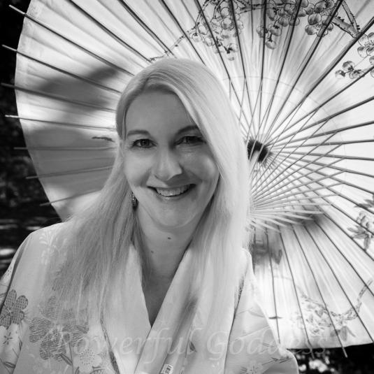 _S5A7235-Kimono-Glamour-Powerful-Goddess-Portraits-Sharon-Birke