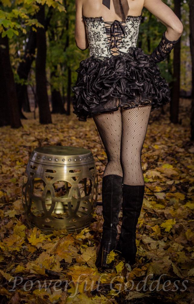 _S5A9642-Alice-in-Womderland-Glamour-Powerful-Goddess-Portraits-Sharon-Birke-2