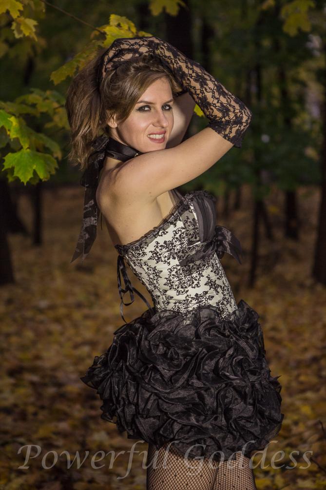 _S5A9712-Alice-in-Womderland-Glamour-Powerful-Goddess-Portraits-Sharon-Birke