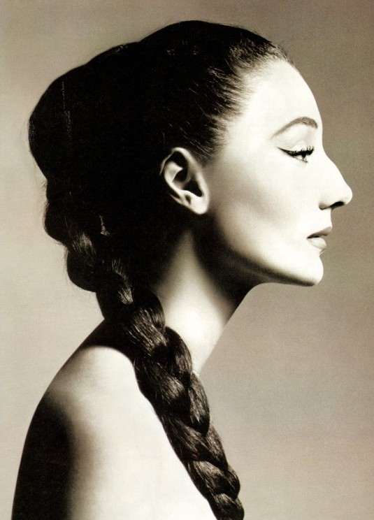Jacqueline-de-Ribes-by-Avedon