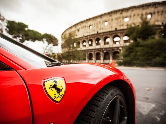 ome-colosseum-ferrari-car-rental-italy