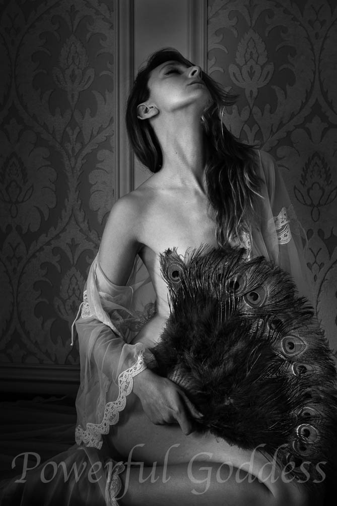 NYC-NJ-CT-vintage-lingerie-Powerful-Goddess-Portraits-130200-2