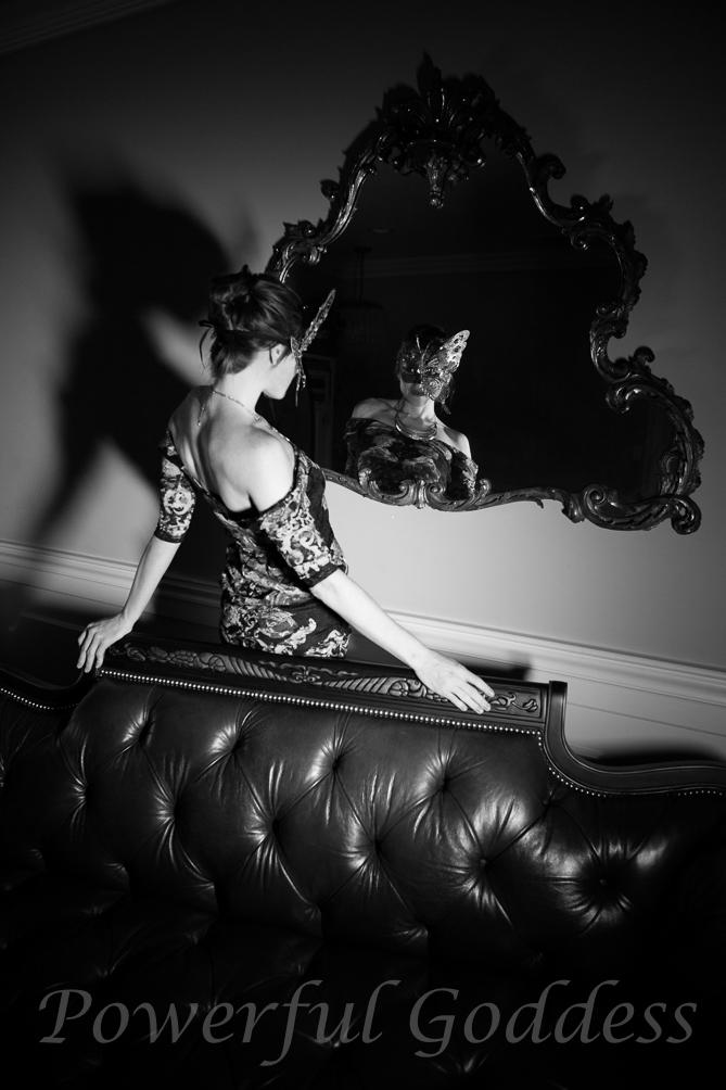 _s5a0264-new-york-new-jersey-butterfly-mask-glamour-boudoir-powerful-goddess-portraits-sharon-birke-2