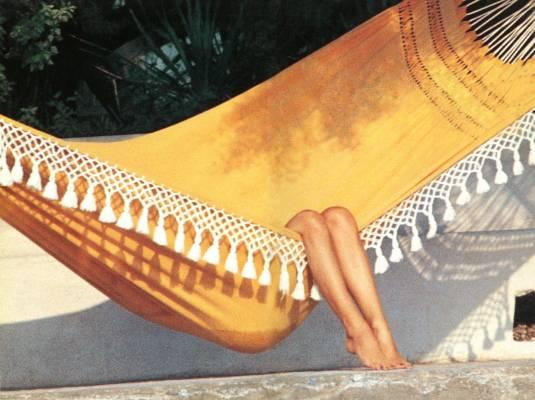 undercurrent_aarons_bardot_relaxing_in_st_tropez_l