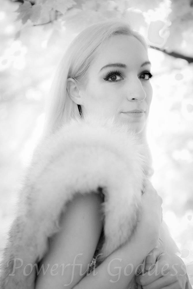 nyc-nj-ct-blondegold-leaves-powerful-goddess-portraits-sharon-birke-7821