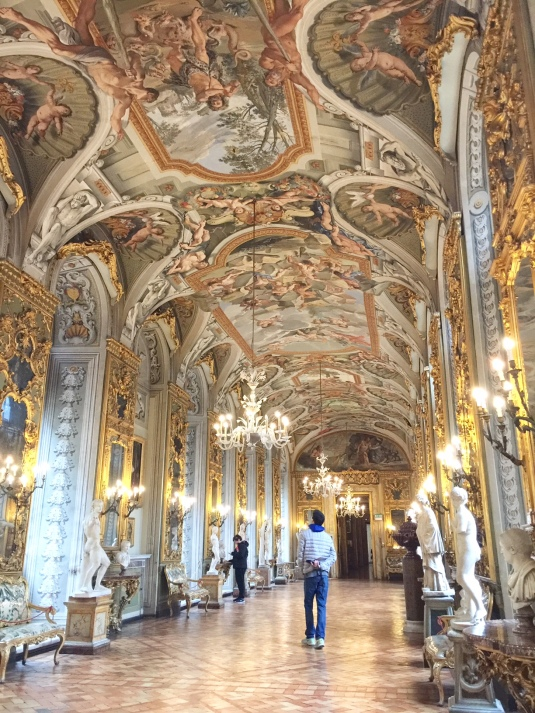 italy-rome-hall-of-mirrors