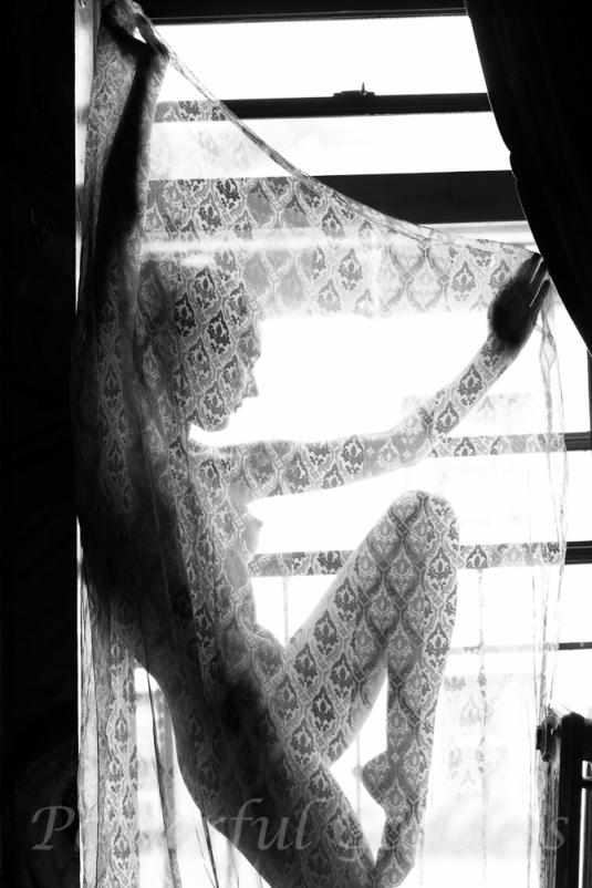 _s5a5795-nyc-nj-fire-escape-nude-powerful-goddess-portraits-sharon-birke