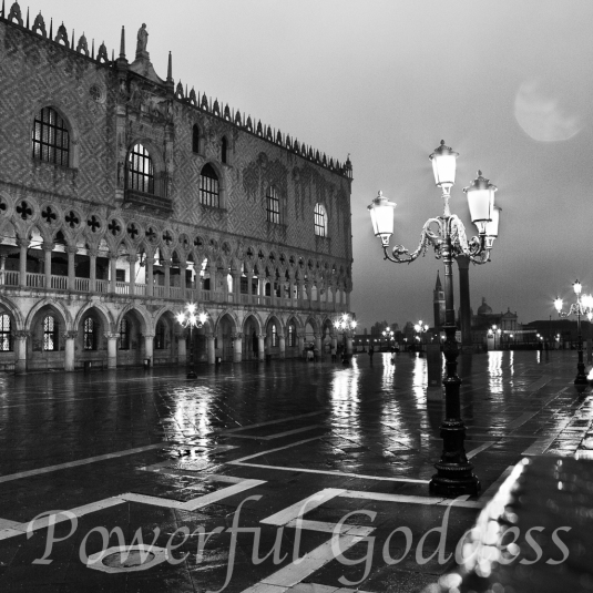 Venice-Doges-Palace-Powerful-Goddess-Portraits-by-Sharon-Birke-9491