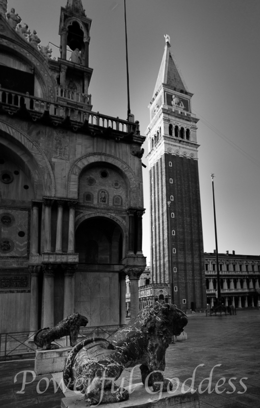 Venice-San-Marco-Square-Powerful-Goddess-Portraits-by-Sharon-Birke-9733